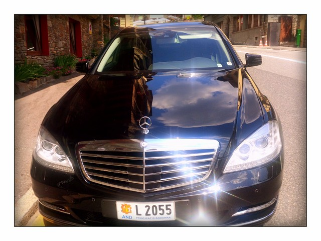 Barcelona Andorra Airport Transfers Company provides chauffeur driven minibus service, private cars, limousines and taxi Mercedes Andorra.  If you look for Taxi Mercedes Barcelona Andorra  we'll make you the best offer ever!